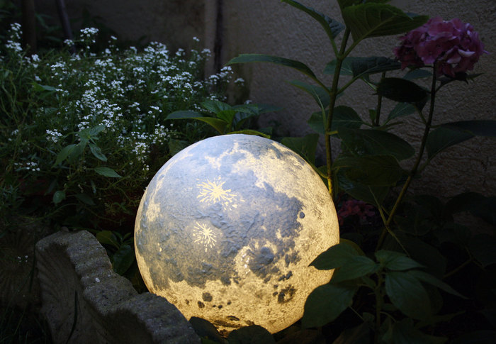 These Realistic Moon and Planet Lamps Will Bring the Space Into Your Room